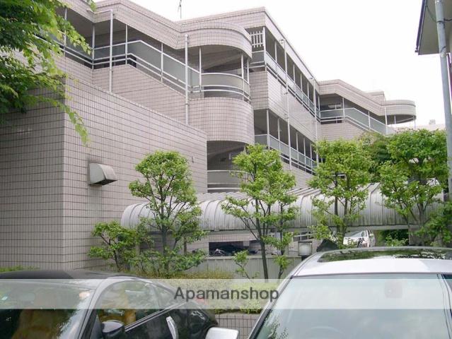 東京都杉並区、下高井戸駅徒歩15分の築28年 3階建の賃貸マンション