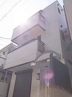 東京都江東区、錦糸町駅徒歩14分の築13年 3階建の賃貸マンション