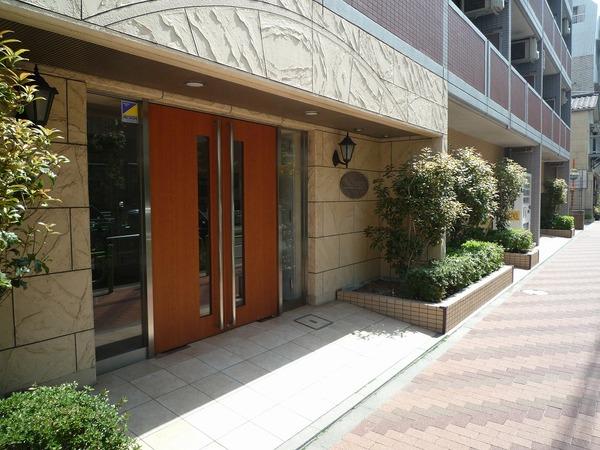 東京都中央区、越中島駅徒歩18分の築13年 12階建の賃貸マンション