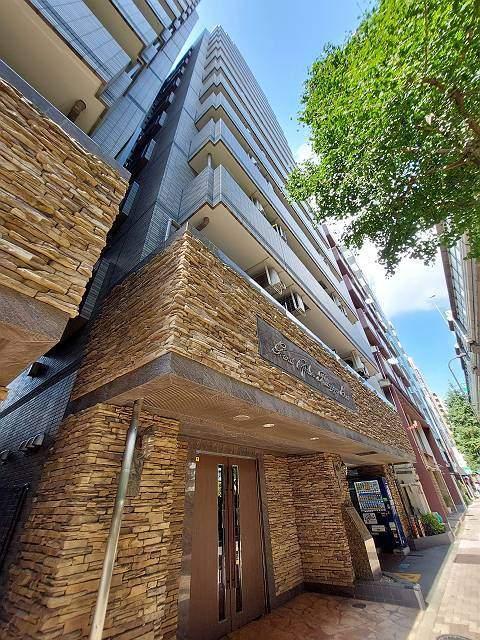 東京都渋谷区、初台駅徒歩8分の築15年 14階建の賃貸マンション