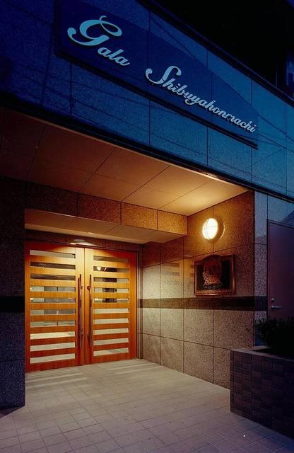 東京都渋谷区、初台駅徒歩5分の築18年 4階建の賃貸マンション