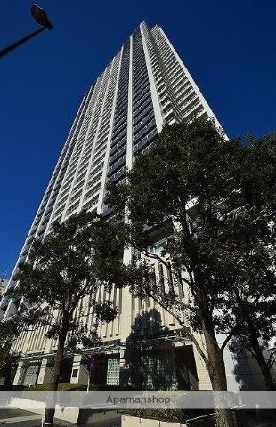 東京都豊島区、東池袋駅徒歩1分の築10年 42階建の賃貸マンション