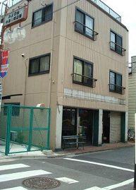 東京都北区、池袋駅徒歩20分の築30年 3階建の賃貸マンション