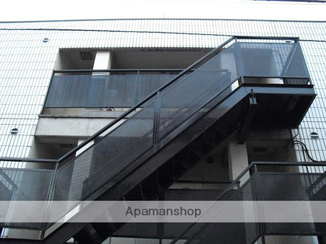 東京都北区、駒込駅徒歩10分の築32年 3階建の賃貸マンション