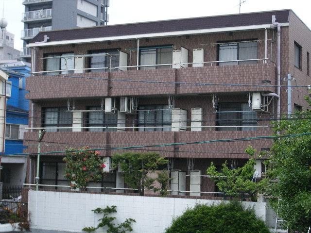 東京都板橋区、板橋区役所前駅徒歩16分の築20年 3階建の賃貸マンション