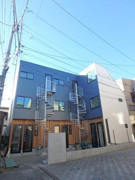 東京都世田谷区、駒沢大学駅徒歩15分の築1年 3階建の賃貸アパート