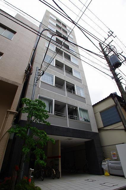 東京都江東区、両国駅徒歩10分の築11年 9階建の賃貸マンション