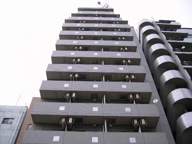 東京都墨田区、両国駅徒歩3分の築14年 13階建の賃貸マンション