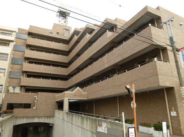 東京都足立区、梅島駅徒歩11分の築28年 6階建の賃貸マンション