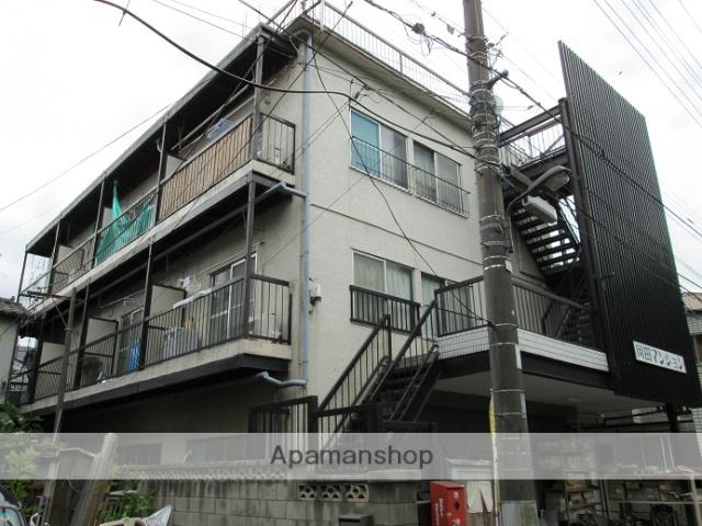 東京都足立区、綾瀬駅徒歩16分の築44年 3階建の賃貸マンション