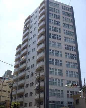 東京都台東区、鶯谷駅徒歩10分の築13年 14階建の賃貸マンション