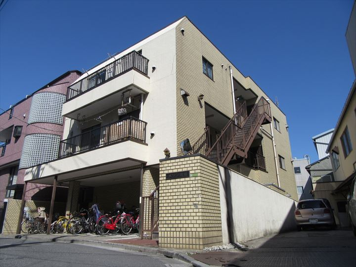 東京都荒川区、町屋駅徒歩5分の築31年 3階建の賃貸マンション