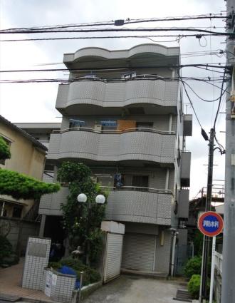 東京都荒川区、西日暮里駅徒歩14分の築27年 4階建の賃貸マンション