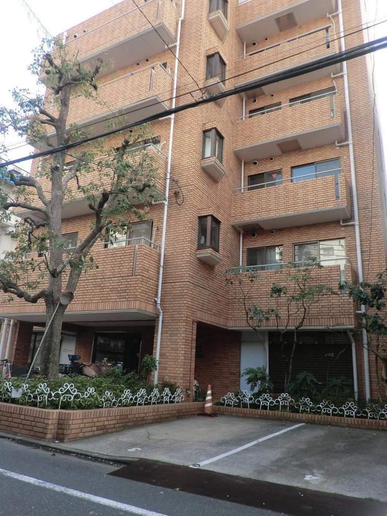 東京都荒川区、南千住駅徒歩13分の築33年 7階建の賃貸マンション