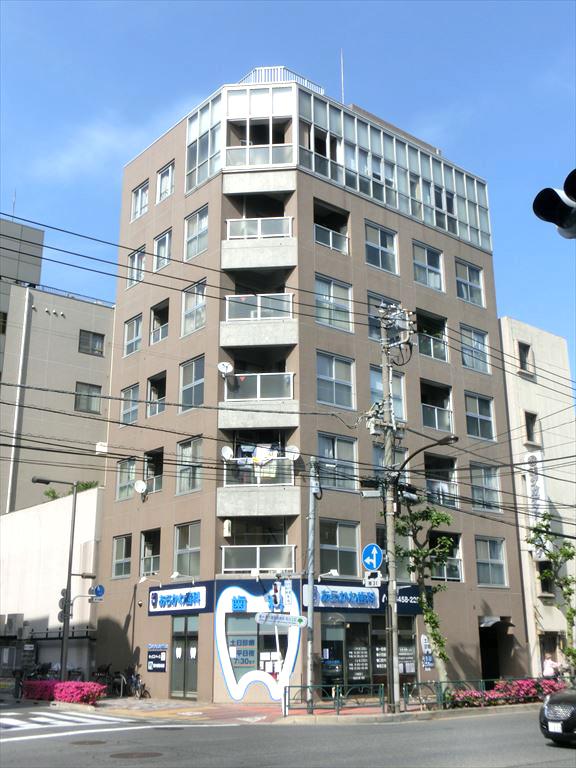 東京都荒川区、西日暮里駅徒歩10分の築18年 8階建の賃貸マンション