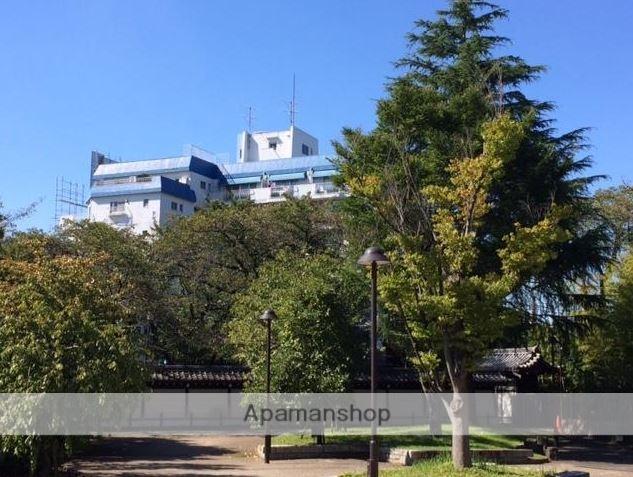 東京都杉並区、東高円寺駅徒歩10分の築44年 7階建の賃貸マンション