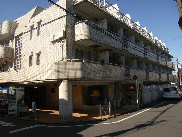 東京都杉並区、中野富士見町駅徒歩10分の築32年 4階建の賃貸マンション