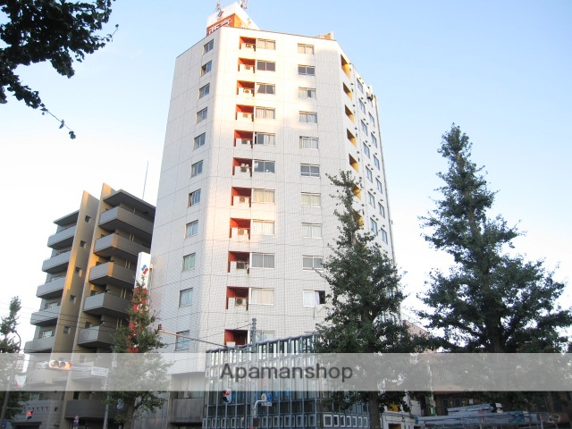 東京都杉並区、高円寺駅徒歩17分の築32年 13階建の賃貸マンション