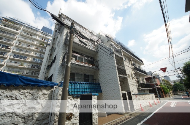 東京都渋谷区、渋谷駅徒歩9分の築48年 7階建の賃貸マンション