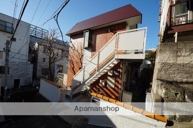 東京都渋谷区、初台駅徒歩7分の築33年 2階建の賃貸アパート