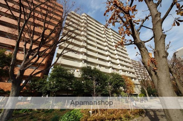 東京都渋谷区、初台駅徒歩2分の築35年 14階建の賃貸マンション