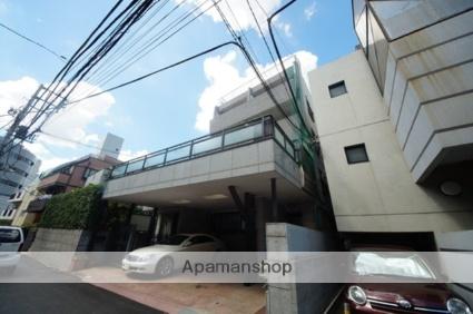 東京都渋谷区、原宿駅徒歩13分の築50年 4階建の賃貸マンション