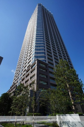 東京都新宿区、新宿御苑前駅徒歩8分の築1年 55階建の賃貸マンション
