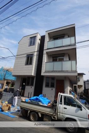 東京都渋谷区、原宿駅徒歩10分の新築 3階建の賃貸マンション