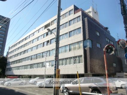 東京都渋谷区、代々木駅徒歩6分の築51年 6階建の賃貸マンション