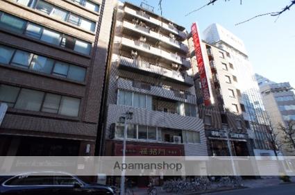東京都新宿区、新宿御苑前駅徒歩4分の築35年 11階建の賃貸マンション
