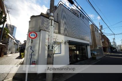 東京都渋谷区、原宿駅徒歩11分の築25年 3階建の賃貸マンション