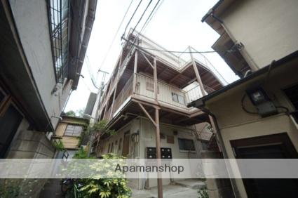 東京都新宿区、信濃町駅徒歩4分の築38年 4階建の賃貸マンション
