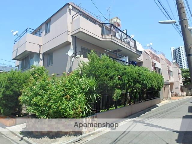 東京都北区、北赤羽駅徒歩21分の築35年 3階建の賃貸マンション
