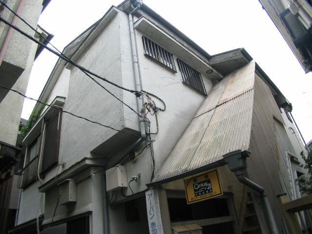 東京都北区、赤羽駅徒歩13分の築38年 2階建の賃貸アパート