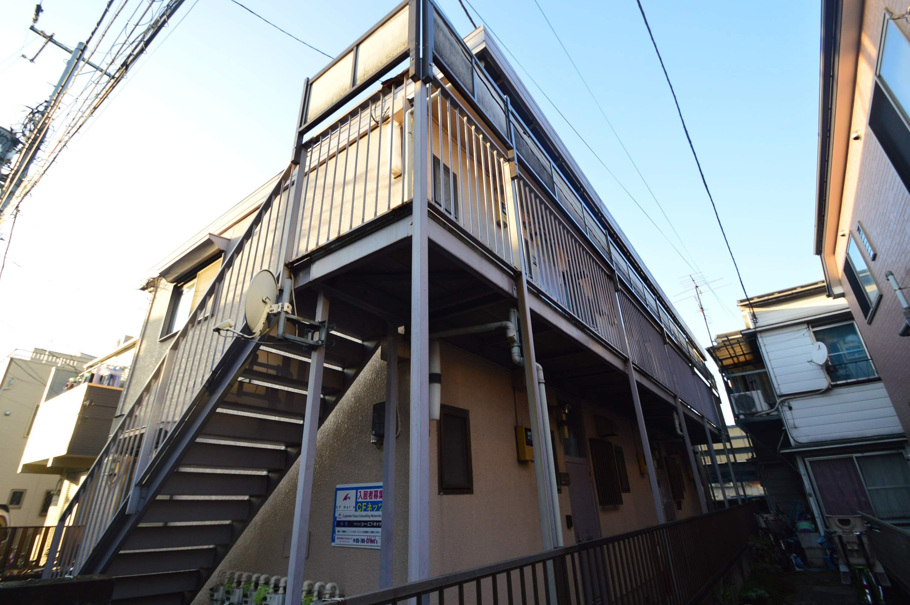 東京都北区、十条駅徒歩9分の築30年 2階建の賃貸アパート