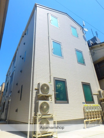 東京都北区、十条駅徒歩4分の築1年 3階建の賃貸アパート