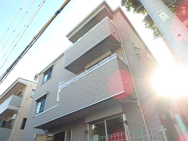 東京都北区、十条駅徒歩12分の築2年 3階建の賃貸アパート