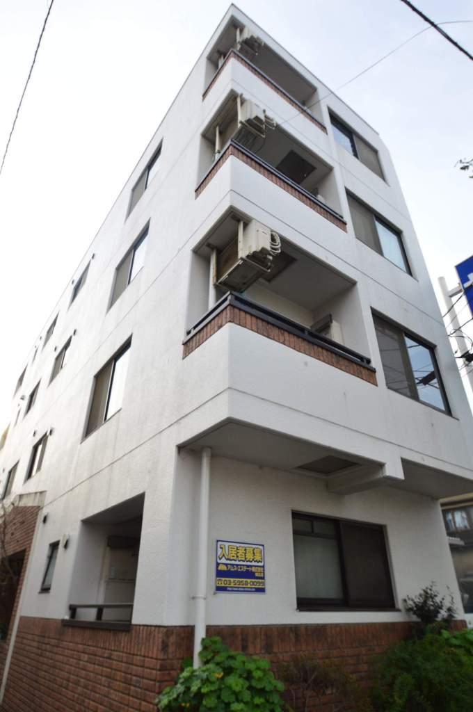 東京都北区、十条駅徒歩10分の築18年 4階建の賃貸マンション