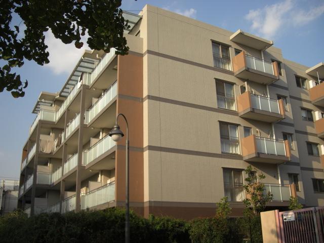 東京都北区、赤羽駅徒歩12分の築10年 5階建の賃貸マンション
