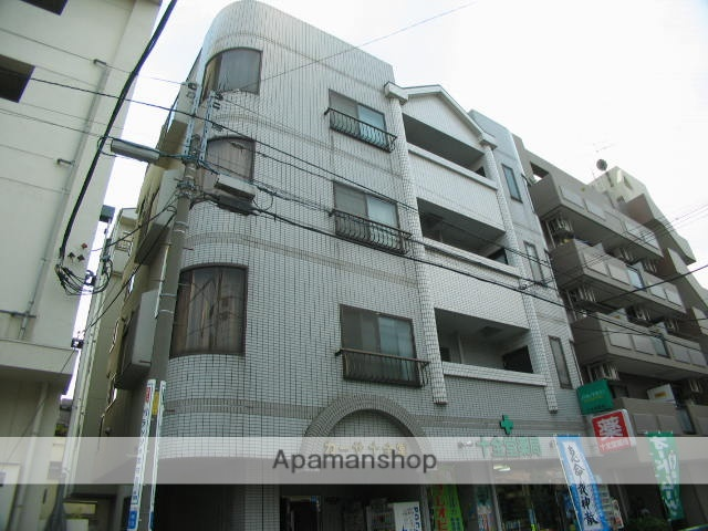 東京都北区、北赤羽駅徒歩6分の築26年 5階建の賃貸マンション