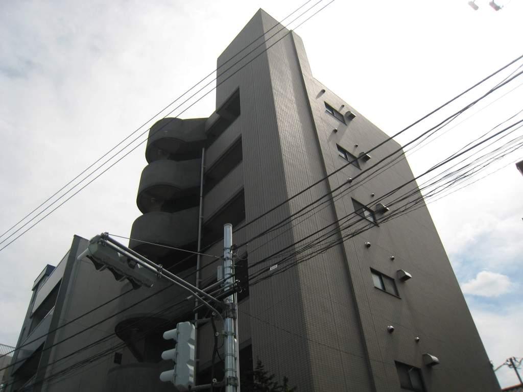 東京都板橋区、十条駅徒歩13分の築26年 6階建の賃貸マンション