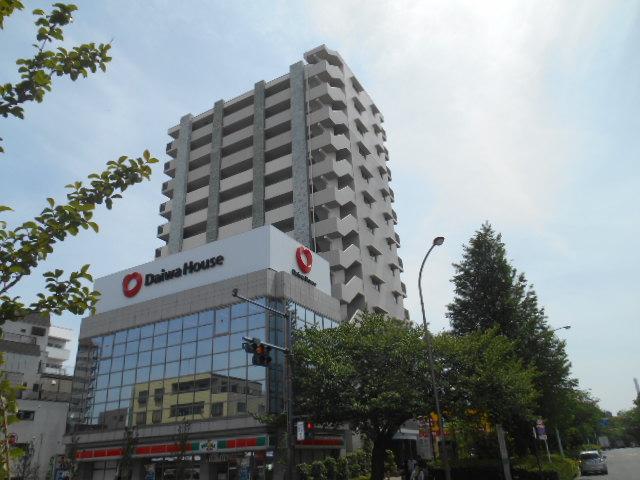 東京都板橋区、下赤塚駅徒歩10分の築7年 13階建の賃貸マンション