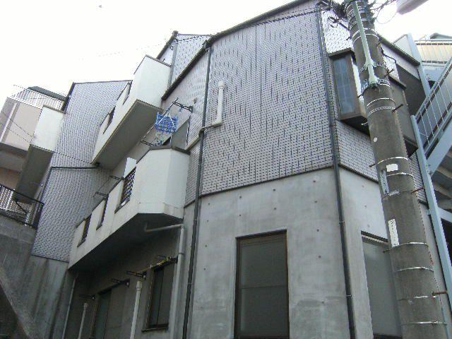 東京都板橋区、上板橋駅徒歩12分の築24年 3階建の賃貸マンション
