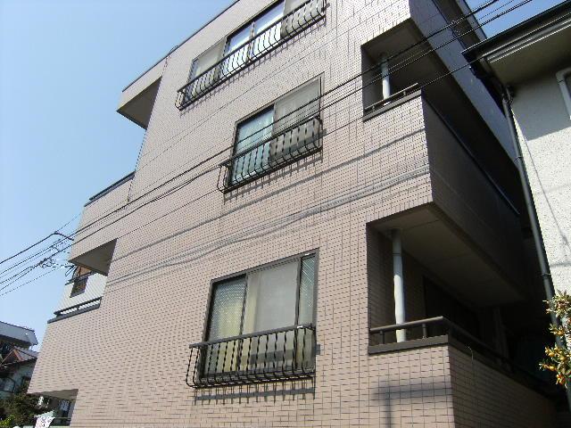 東京都板橋区、東武練馬駅徒歩8分の築23年 3階建の賃貸マンション