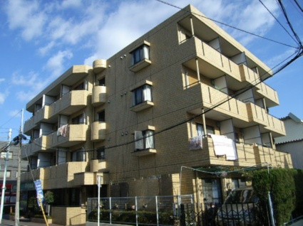 東京都板橋区、中板橋駅徒歩13分の築27年 4階建の賃貸マンション