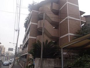 東京都板橋区、成増駅徒歩4分の築21年 5階建の賃貸マンション