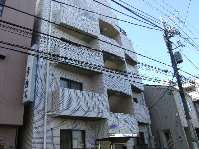 東京都板橋区、ときわ台駅徒歩15分の築27年 4階建の賃貸マンション