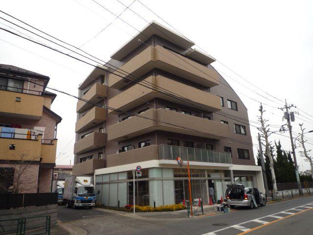 東京都練馬区、富士見台駅徒歩16分の築7年 5階建の賃貸マンション