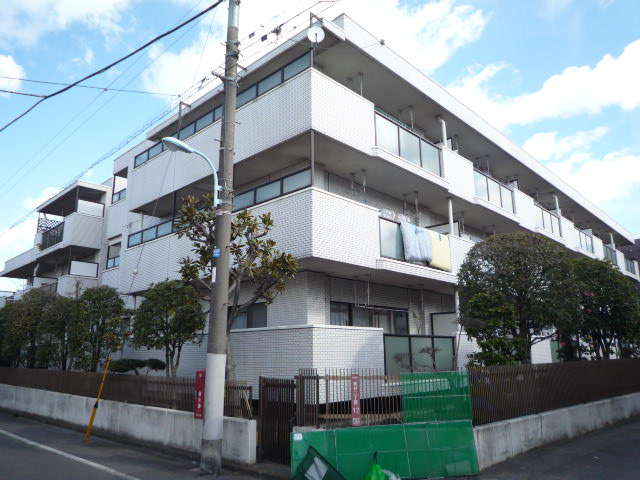 東京都杉並区、荻窪駅徒歩16分の築30年 3階建の賃貸マンション