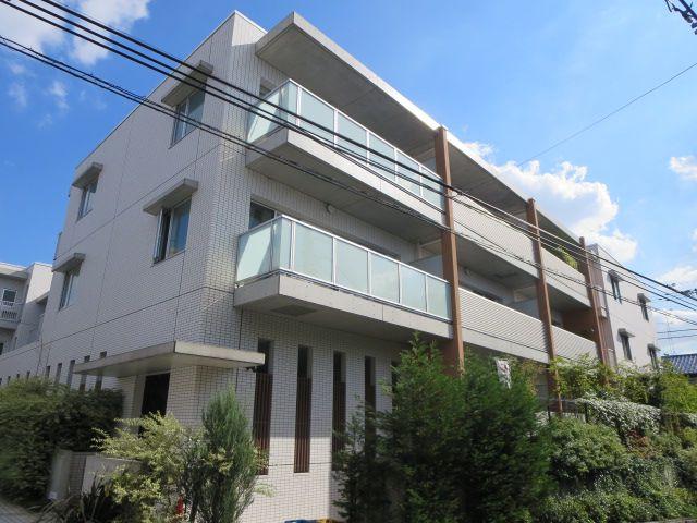 東京都世田谷区、祖師ヶ谷大蔵駅徒歩12分の築6年 3階建の賃貸マンション